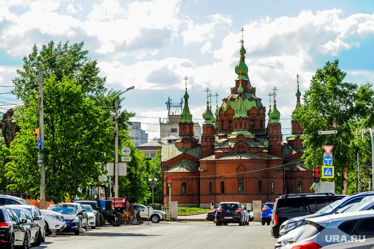 Челябинский храм переезжает в салон эротического массажа