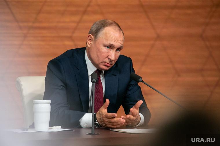 Путин и Мишустин завтра обсудят план по спасению экономики РФ