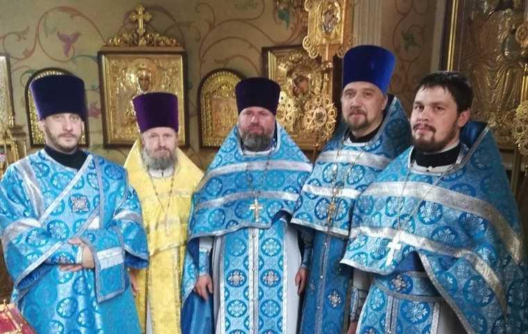 Священник, разоблачивший митрополита, вернулся в Курган. ФОТО