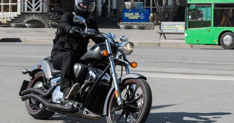 В Госдуме хотят наказывать мотоциклистов за опасное вождение