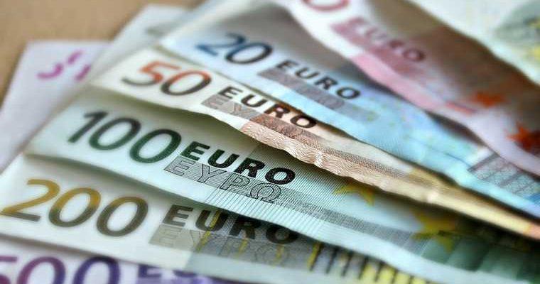 кризис Россия рубль евро доллар прогнозы экономист осень