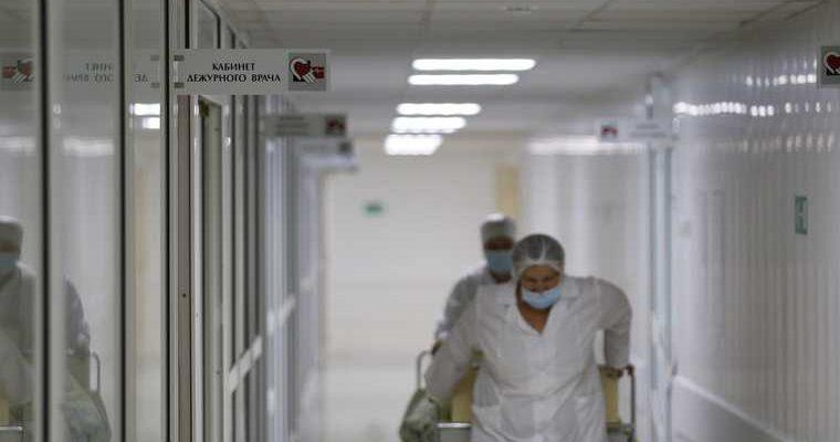 В Екатеринбурге в больнице умер привязанный к койке пациент