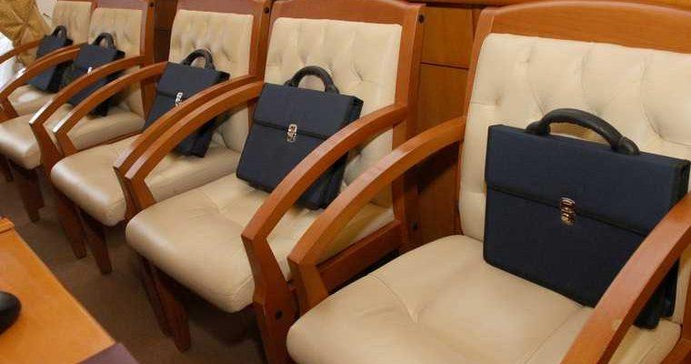 В регионе не будут увольнять чиновников — похоронный бизнес стал самым успешным — вербовщик получил срок — приостановлены заседания суда по делу о коррупции. Все самые интересные и важные новости Курганской области