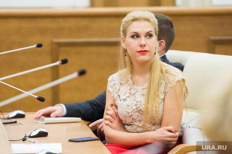 Пресс-конференция Людмилы Бабушкиной в ЗакСО. Екатеринбург