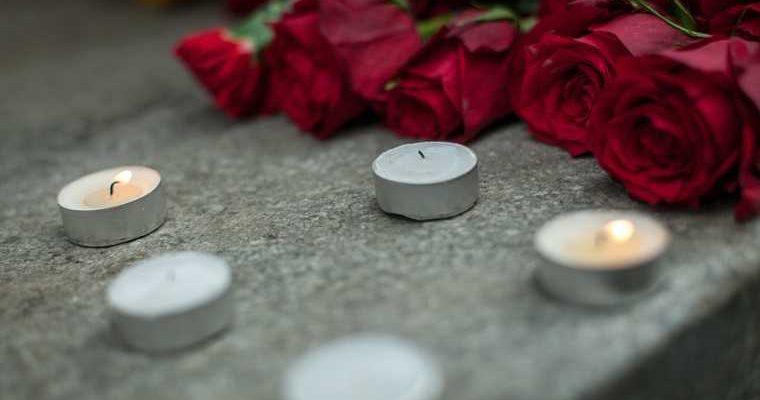 Принца похоронили под молитву на русском языке
