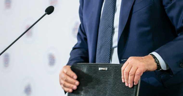 заместитель директора департамента здравоохранения Добровольский Нигматулин повышение вице-губернатор научсно-технологический центр Сургут